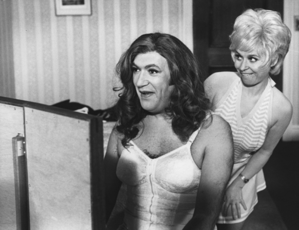 Bernard Bresslaw, Barbara Windsor