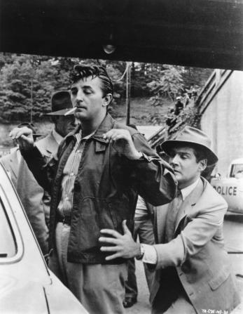 Robert Mitchum, Gene Barry