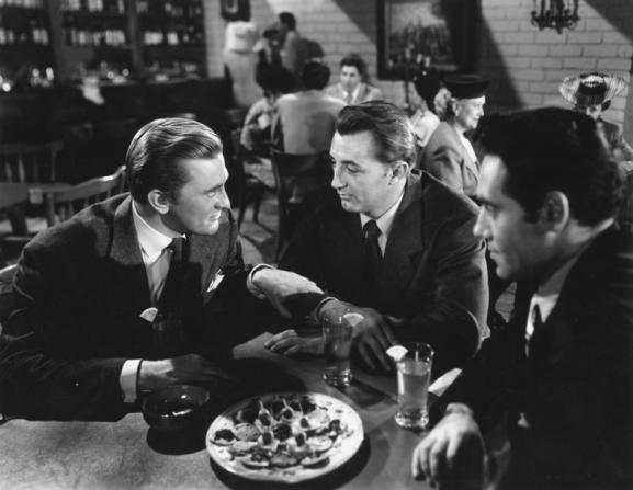 Kirk Douglas, Robert Mitchum