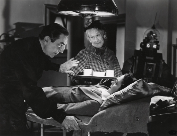Bela Lugosi, Arthur Lucan, Maria Mercedes