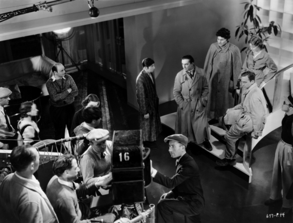 Bela Lugosi, David Manners, Julie Bishop, Egon Brecher