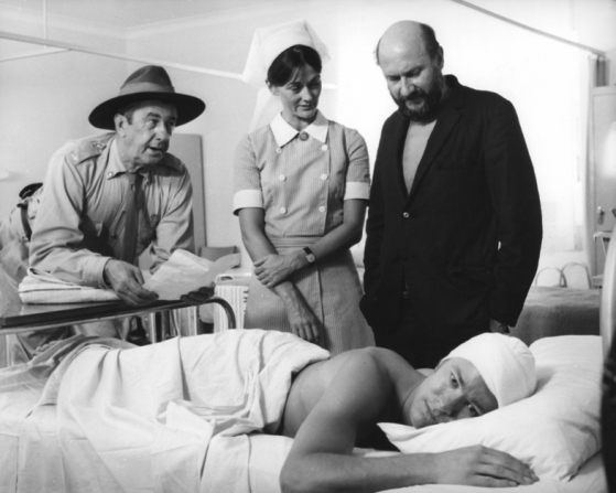 Chips Rafferty, Sylvia Kay, Donald Pleasence, Gary Bond