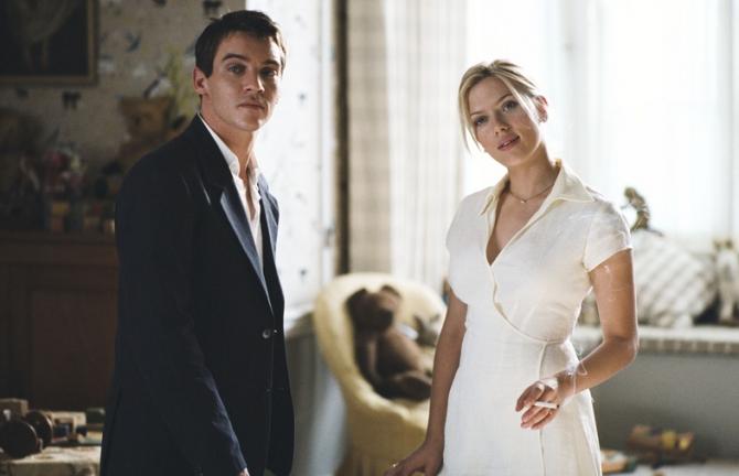 Jonathan Rhys Meyers, Scarlett Johansson