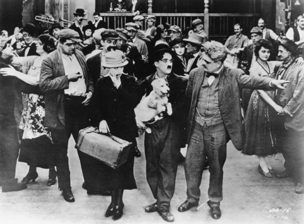 Albert Austin, Edna Purviance, Charles Chaplin