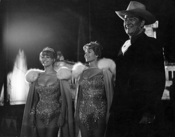Claudia Cardinale, Rita Hayworth, John Wayne