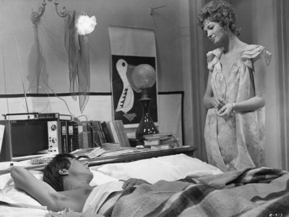 Dustin Hoffman, Carla Gravina