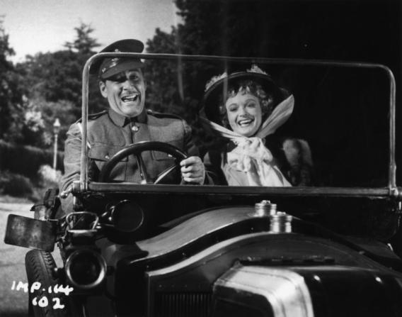 Errol Flynn, Anna Neagle