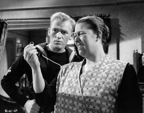 Gordon Jackson, Peggy Mount