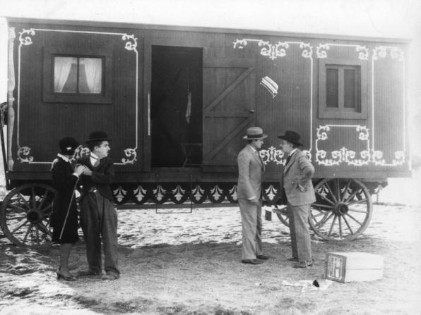 Merna Kennedy, Charles Chaplin, Harry Crocker, Allan Garcia