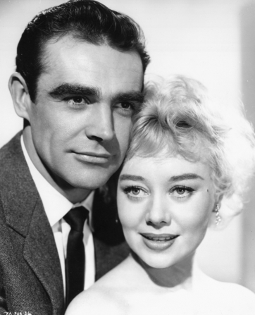 Sean Connery, Glynis Johns