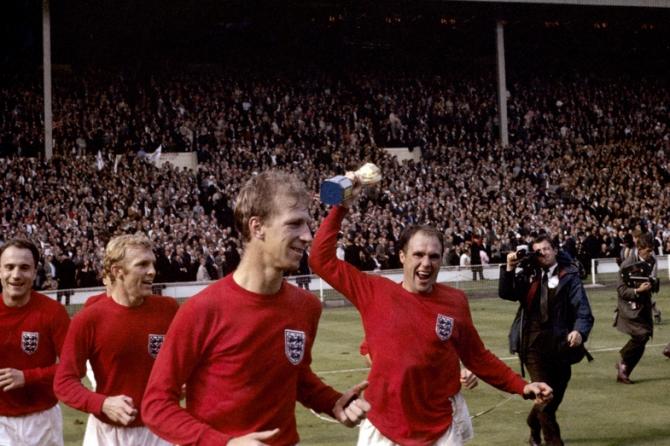 Bobby Moore, Jack Charlton