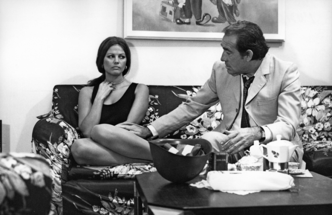 Claudia Cardinale, Ugo Tognazzi