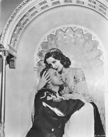 Leslie Howard, Norma Shearer