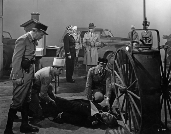 Conrad Veidt, Claude Rains, Humphrey Bogart