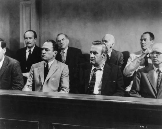 Henry Fonda, Lee J. Cobb, Ed Begley, E.G. Marshall, John Fiedler, Joseph Sweeney, George Voskovec