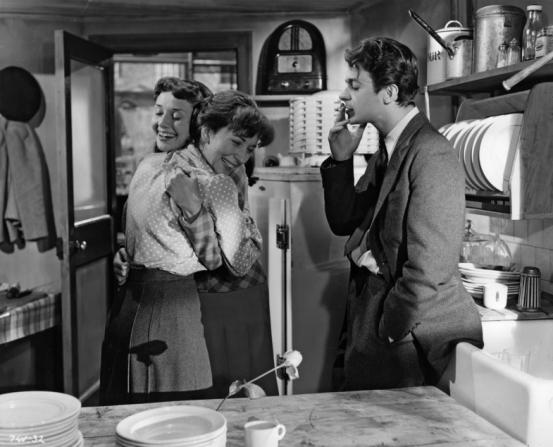 Serge Reggiani, Audrey Hepburn, Valentina Cortese
