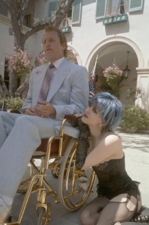 Woody Harrelson, Courtney Love