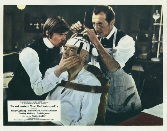 Simon Ward, Peter Cushing, Freddie Jones