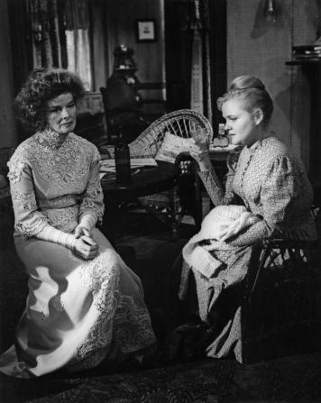 Katharine Hepburn, Jeanne Barr