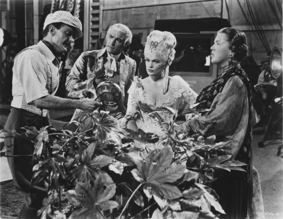 Gene Kelly, Jean Hagen