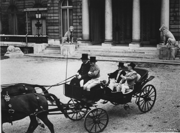 Louis Jourdan, Maurice Chevalier