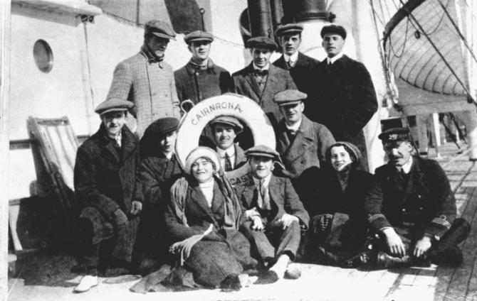Stan Laurel, Charles Chaplin, Albert Austin