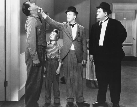 Stan Laurel, Oliver Hardy, Harry Woods, Tommy Bond