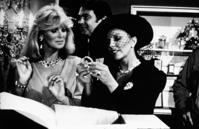 Linda Evans, Joan Collins