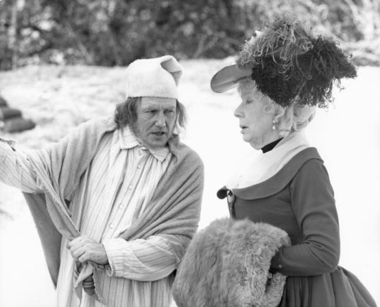 Albert Finney, Edith Evans
