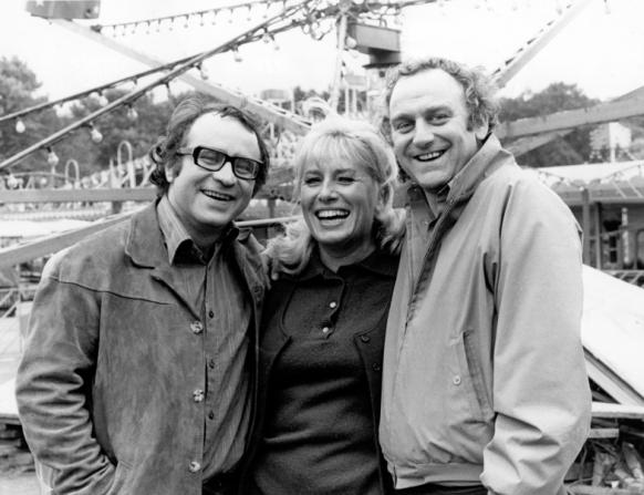 Bob Hoskins, Pat Ashton, John Thaw