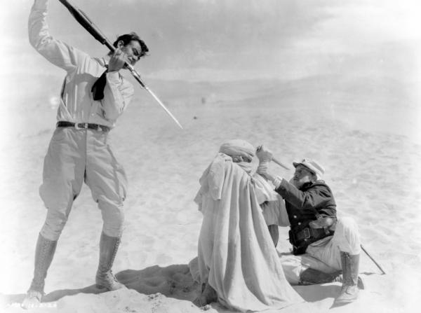 John Wayne, Raymond Hatton