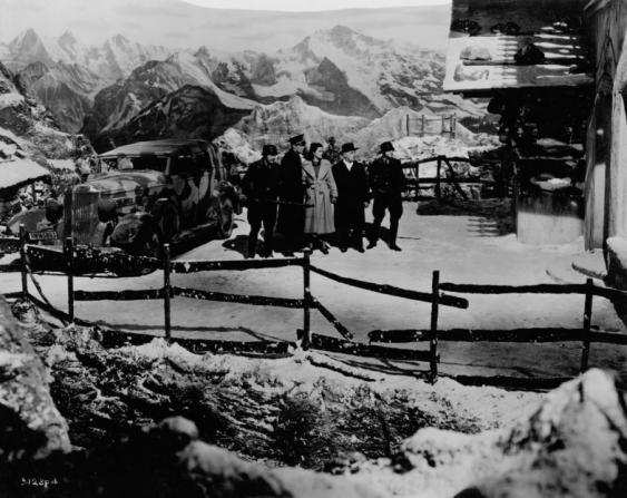 Basil Radford, Rex Harrison, Margaret Lockwood, Naunton Wayne, James Harcourt