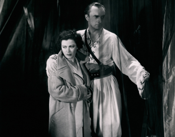 Mary Ellis, Conrad Veidt