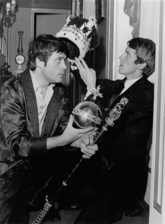 Oliver Reed, Michael Crawford
