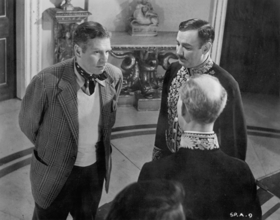 Laurence Olivier, Richard Wattis, Paul Hardwick