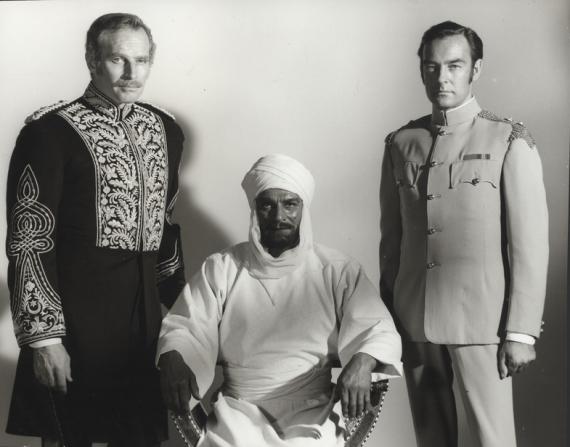 Charlton Heston, Laurence Olivier, Richard Johnson