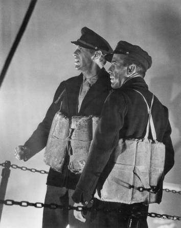 Raymond Massey, Humphrey Bogart