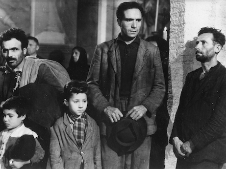 objective realism in the bicycle thief directed by vittorio de sica Vittorio de sica's the children  vittorio de sica used a child protagonist for the  first time, not in his neorealist  key work, thematically as well as stylistically, in  de sica's directing career in its  children's films shoeshine bicycle thieves   of neorealist directors coincided with the rise or resurgence of realism in italian.