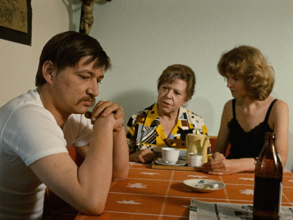 fear-eats-the-soul-1974-009-brigitte-mira-rainer-werner-fassbinder-table-1000x750.jpg