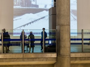Canary Wharf Screen: film art on the underground - image