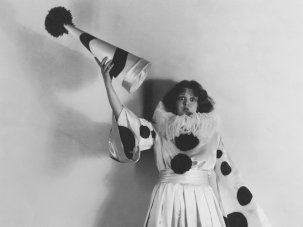 Playing the fool: the pioneering women of clowning - image