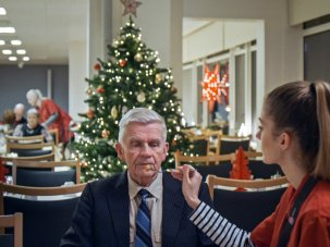 Echo review: a mosaic of an Icelandic Christmas