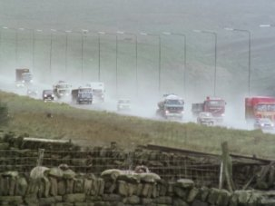 20 pictures revealing the mystery of the farm on the M62 - image