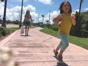 Film of the week: The Florida Project paints a hardscrabble wonderland in candy colours