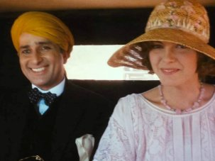 Heat and Dust archive review: Merchant Ivory's Anglo-Indian romance strikes a perfect balance