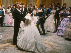 10 wonderfully cinematic waltzes on screen