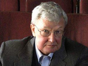 Critic Roger Ebert dies aged 70 - image