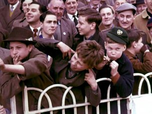20 colour snapshots of match day fever, pre-1966 - image