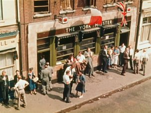 20 colour snapshots of vibrant Soho 60 years ago - image