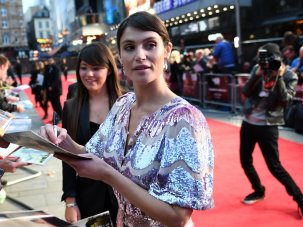 Video: Their Finest – Gemma Arterton and Sam Claflin rally the troops for WW2 comedy-drama  - image